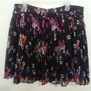 American Eagle pleaded skirt